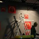 Installation de J'attendrai II au Zeppelin, à Lille.